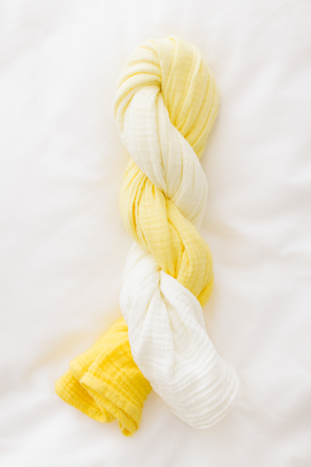 DIY Ombre Swaddle Blanket - dye a plain white muslin swaddle blanket using RIT dye