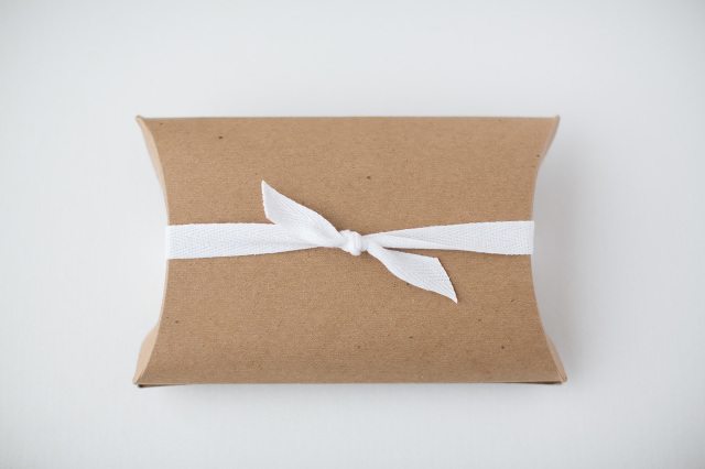 simple packaging for small gifts
